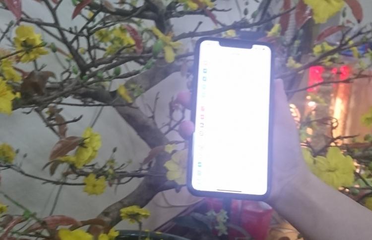 da nang taxi tien sa tra lai chiec iphone x cho khach hang bo quen