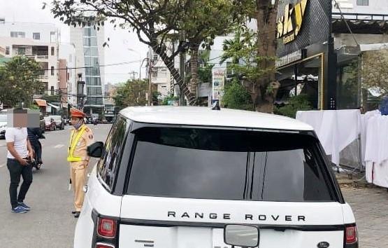 Đà Nẵng: Phát hiện xe ô tô Range Rover lắp biển số giả
