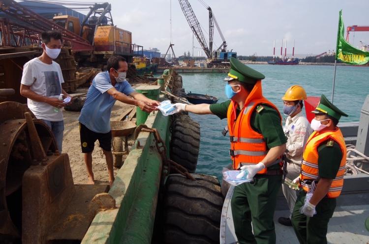 Biên phòng Cửa khẩu Dung Quất chủ động phòng, chống dịch Covid-19