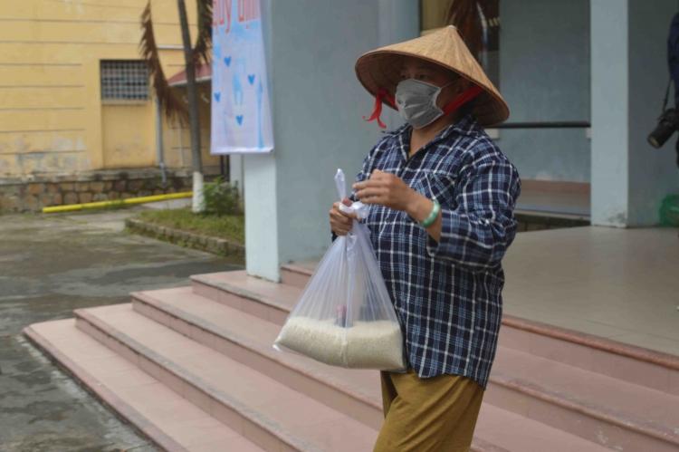 Thừa Thiên Huế tạm cấp hơn 170 tỷ đồng hỗ trợ người dân ảnh hưởng bởi dịch COVID - 19