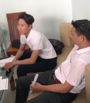 bai 18 quang nam giam doc bach dat an tiep tuc lan tranh khach hang