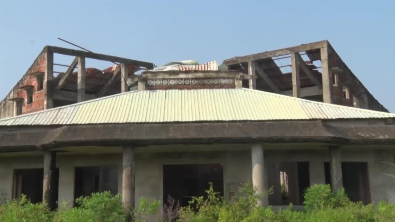 Quảng Nam: Nhà hỏa táng tiền tỷ xây dở dang rồi bỏ hoang phế