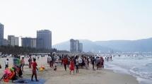 Đà Nẵng: Dựtính tăng giá tắm nước ngọt ở các bãi biển, vì đang 'rẻ nhất thế giới'