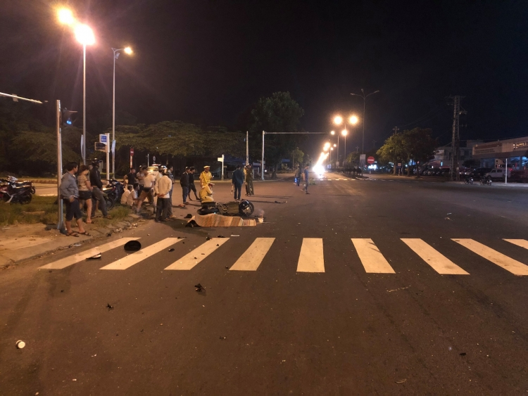 Đà Nẵng: Va chạm với xe khách nam thanh niên tử vong tại chỗ