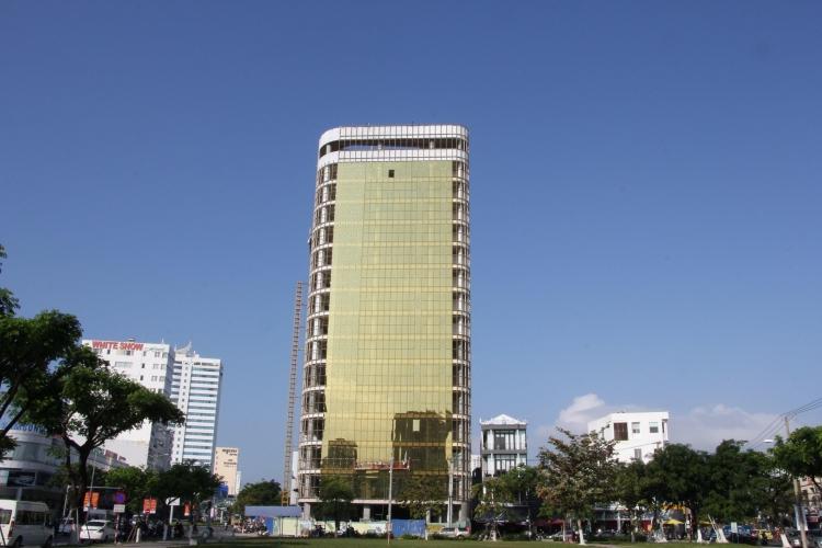 """Sở Xây dựng Đà Nẵng nói gì về kiến trúc của 2 tòa nhà """"nhức mắt""""?"""