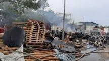 Quảng Nam: Cháy lớn suốt 3 giờ tại xưởng pallet ở Điện Bàn nghi do bị đốt