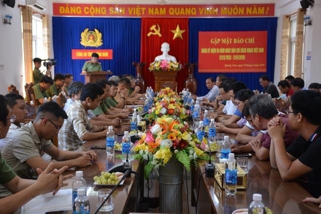 giam doc cong an quang nam mong muon bao chi dong hanh cung luc luong cong an