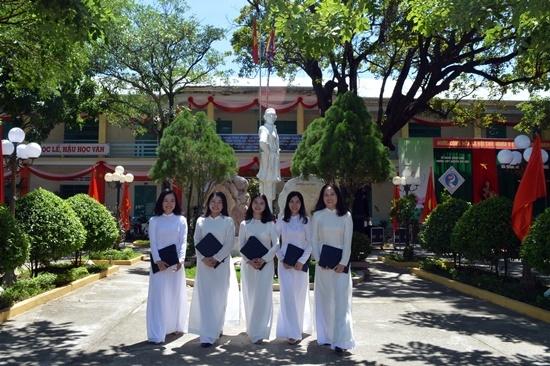 Quảng Nam: 75 học sinh xuất sắc được Chủ tịch tỉnh tặng Bằng khen