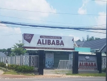 cong an da lam viec voi hon 200 nguoi mua dat cua alibaba