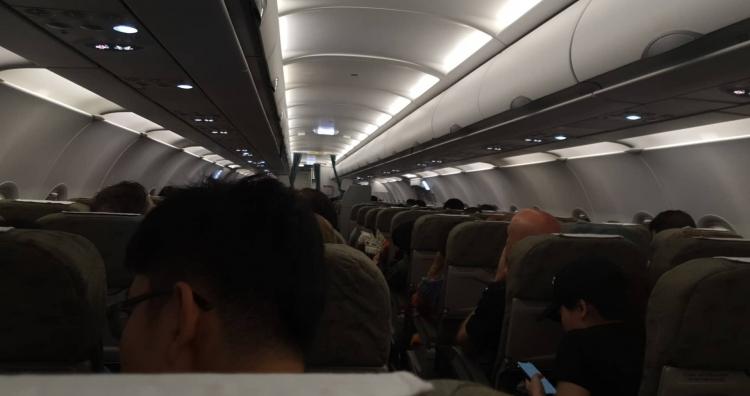 may bay cua vietnam airlines gap su co tren bau troi da nang