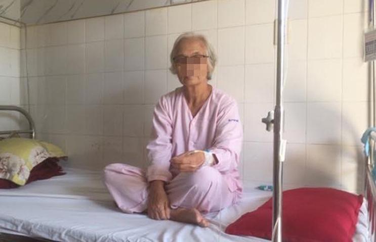 Huế: Sau khi ăn quả hồng giòn, cụ bà nhập viện khẩn cấp do xuất huyết dạ dày