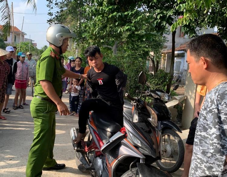 quang nam bat doi tuong lieu linh cay cua trom tai san giua ban ngay