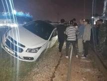 Đà Nẵng: Tàu hỏa tông ô tô đậu trên đường ray, tài xế xe đi vắng