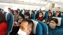 khach nhat nhiem covid 19 cach ly ca to bay vietnam airlines