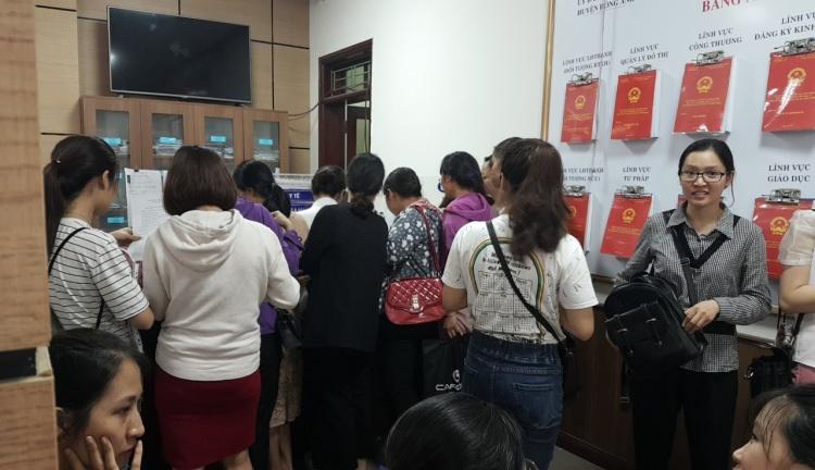 Hà Nội: Hơn 200 giáo viên hợp đồng tại Đông Anh viết đơn kêu cứu