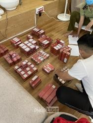 """Bắt giữ hàng trăm hộp mỹ phẩm Evam trôi nổi tại một spa ở """"khu nhà giàu"""""""