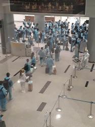 Sáng 18/8 thêm 7 bệnh nhân COVID-19 mới, Hà Nội sẽ xử phạt nặng quán ăn không giãn cách