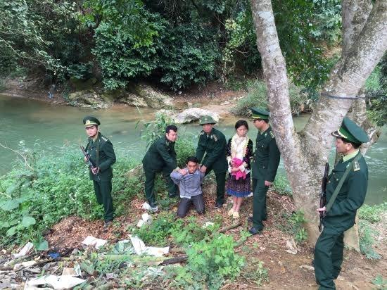 lai chau khen thuong ban chuyen an pha duong day buon ban nguoi qua bien gioi