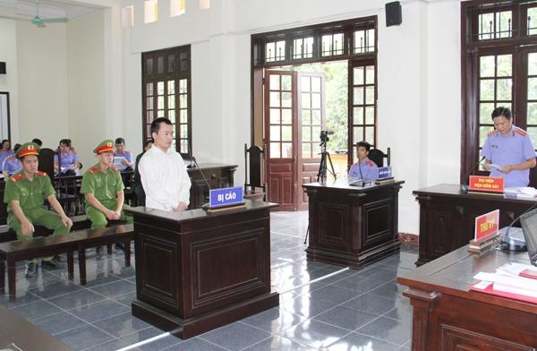 Lào Cai: Xét xử vụ án ăn trộm bó đào Tết bị đánh tử vong