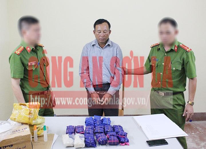 Sơn La: Bắt đối tượng vận chuyển 29.600 viên ma túy tổng hợp