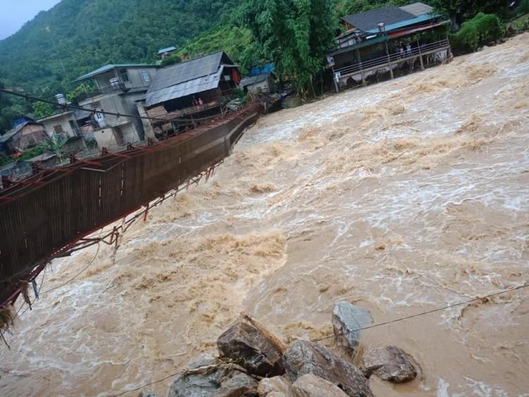 Lào Cai: Lũ quét ở Bản Hồ do thủy điện Sử Pán 1 xả lũ bất ngờ trong đêm