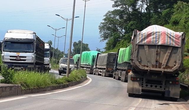 Ngăn loạt xe quá tải trọng vào cao tốc Nội Bài-Lào Cai