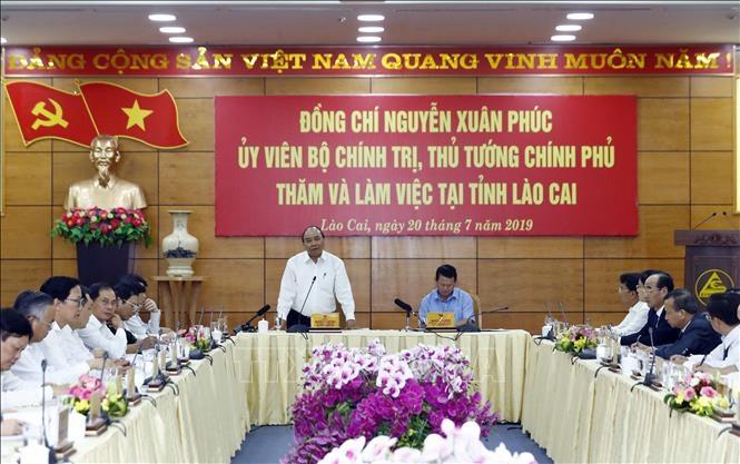 Thủ tướng Chính phủ Nguyễn Xuân Phúc làm việc với lãnh đạo chủ chốt tỉnh Lào Cai