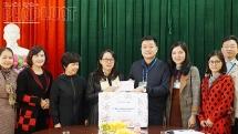 Ủy ban Dân tộc tặng quà tết cho học sinh dân tộc và người nghèo tại Yên Bái