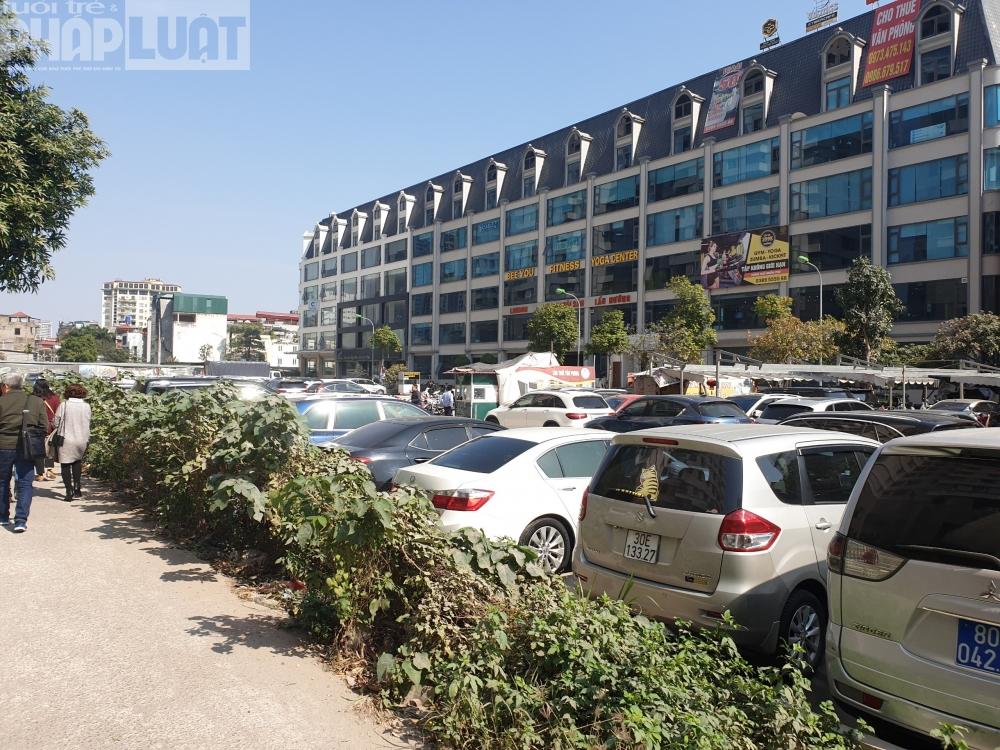 Cầu Giấy, Hà Nội: Hàng loạt bãi xe không phép, Chủ tịch phường ... bị phạt