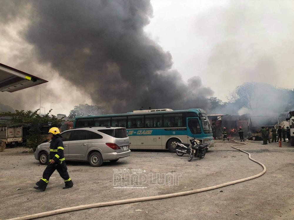 Cháy bãi xe