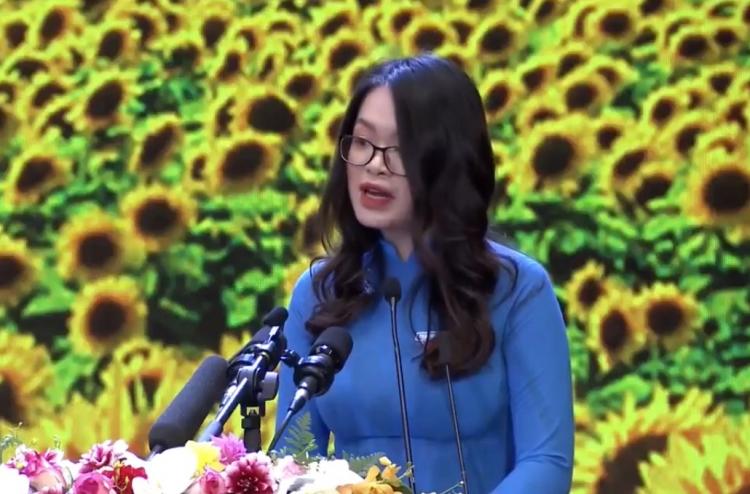 Nữ đảng viên trẻ phát biểu tại lễ kỷ niệm 90 năm thành lập Đảng Cộng sản Việt Nam là ai?