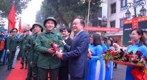 Xúc động lễ tiễn tân binh quận Hoàn Kiếm lên đường nhập ngũ