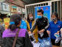phat 4000 khau trang mien phi cho ba con vung cao yen bai