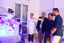 Trao thiết bị y tế trị giá 250 triệu đồng cho Trung tâm Y tế huyện Văn Yên, Yên Bái