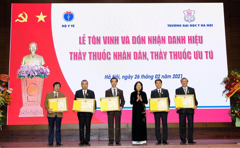 Đại học Y Hà Nội có 5 cá nhân đạt danh hiệu Thầy thuốc Nhân dân