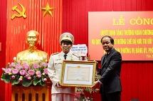 pho giam doc cong an tinh yen bai duoc nhan huan chuong bao ve to quoc
