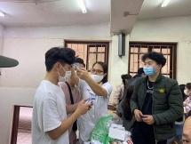 Tập huấn cho sinh viên phòng chống dịch Covid-19 trước khi trở lại học tập