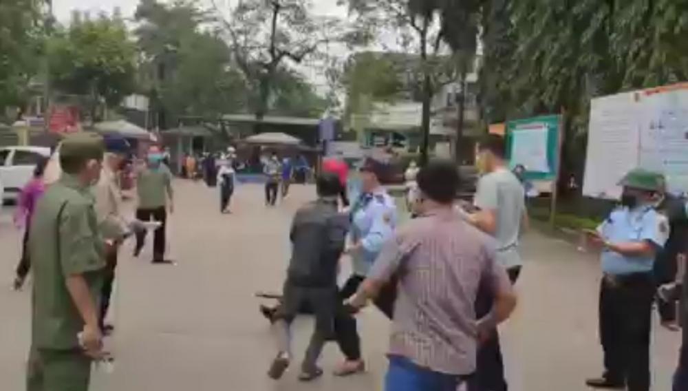 Hỗn chiến giữa bảo vệ và người dân tại Bệnh viện Đa khoa tỉnh Tuyên Quang