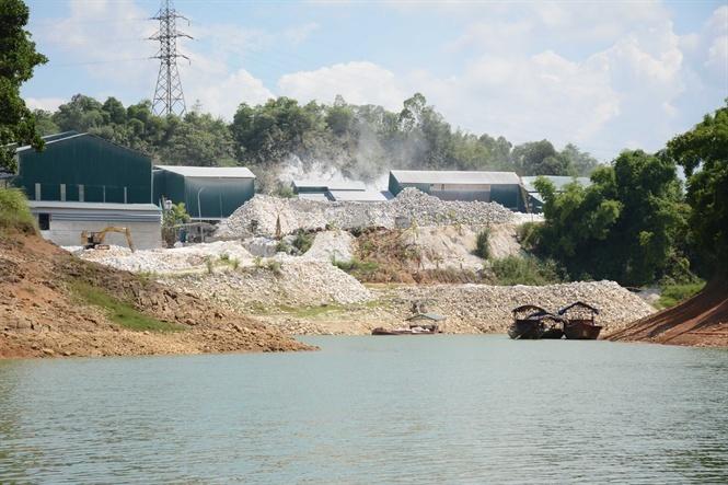 Quản lý chặt chẽ công tác bảo vệ môi trường với các doanh nghiệp trên hồ Thác Bà