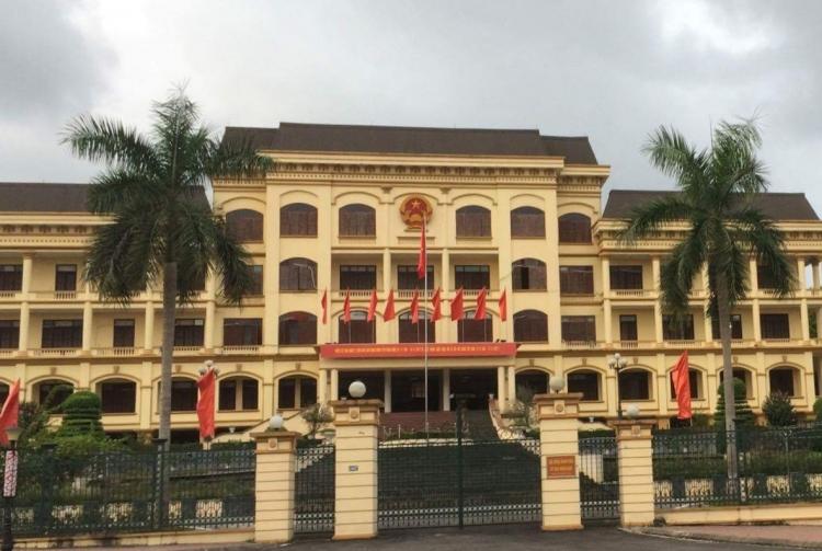 UBND tỉnh Yên Bái chỉ đạo làm rõ trách nhiệm vụ xe quá tải hoành hành