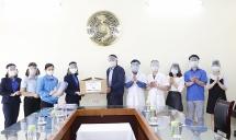 Thanh niên Hà Đông làm mặt nạ bảo hộ tặng y, bác sĩ nơi tuyến đầu chống dịch