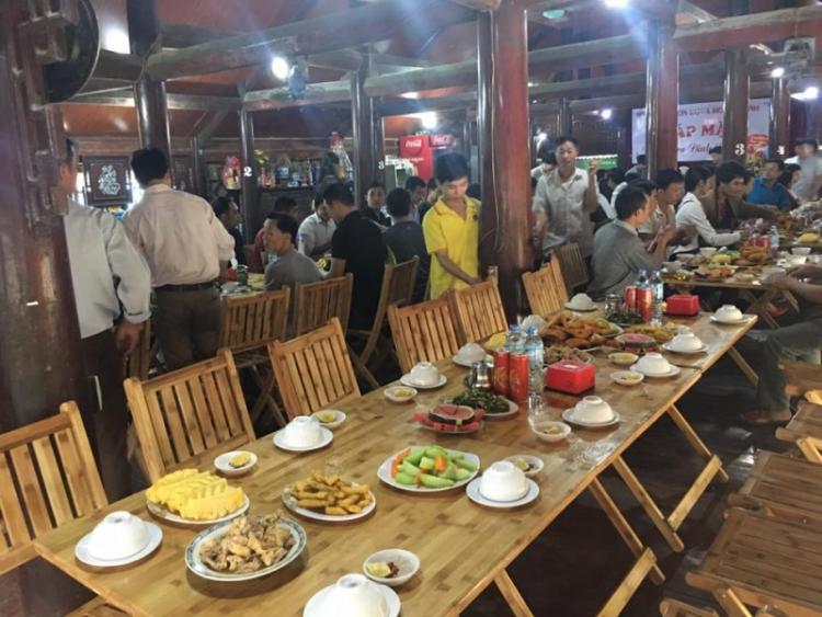 yen bai nha hang chi duoc ban thuc pham mang di ban online va khong tu tap qua 5 nguoi