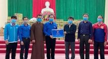 Thành đoàn Hà Nội tặng Nhân dân xã Dũng Tiến 20.000 quả trứng gà