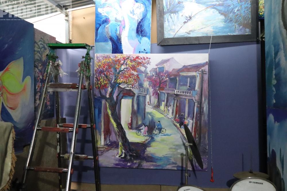 Người hoạ sĩ vẽ tranh trên cầu Long Biên ra mắt tác phẩm mới