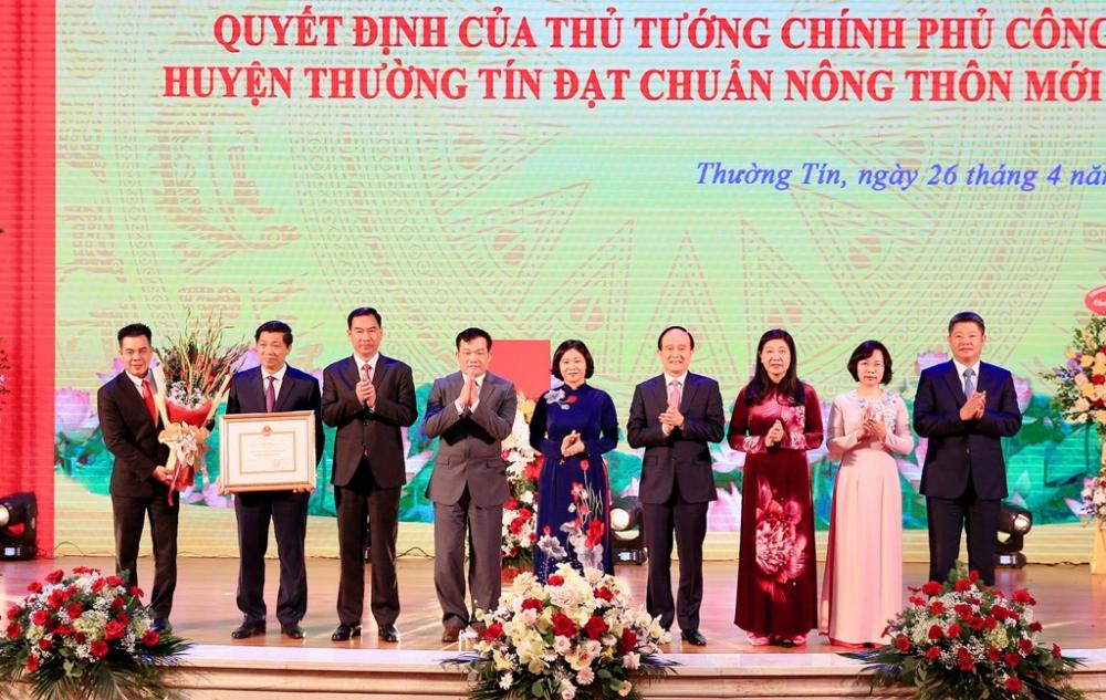 Huyện Thường Tín đón nhận danh hiệu chuẩn nông thôn mới