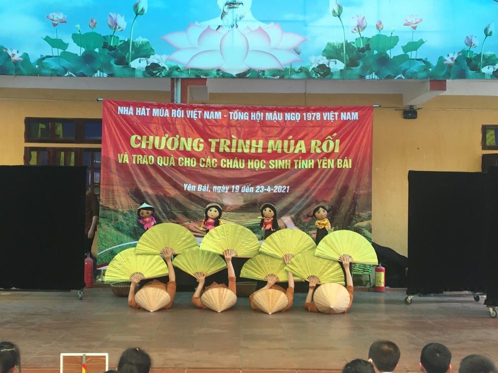Tuổi trẻ Yên Bái đem nghệ thuật múa rối đến với trẻ em vùng cao