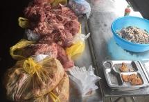 phat hien 300kg thit lon ban chuan bi len ban an cho hoc sinh sa pa