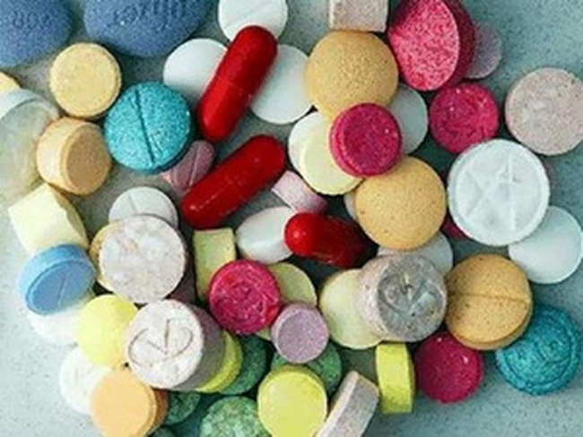 Bắt giữ đôi nam nữ tàng trữ và mua bán ma túy tổng hợp