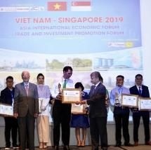 Taxi Mai Linh nhận giải top 10 thương hiệu được tin dùng nhất ASIAN 2019