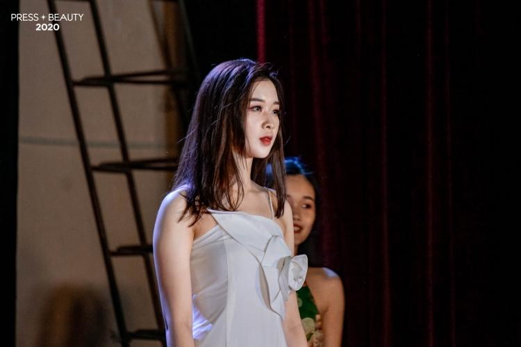 khoi dong ban ket cuoc thi press beauty 2020 lo dien top 10 nguoi dep nu sinh bao chi